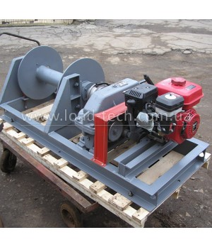 Gasoline traction winch 1.5 t